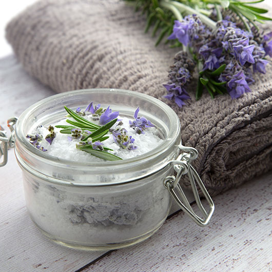 (No More) Back Pain Aromatherapy Bath Salts @OmNomAlly Use this selection of anti-inflammatory and antispasmodic essential oils in your Epsom salts for a brilliant home remedy for back pain, cramping or tired, sore muscles.