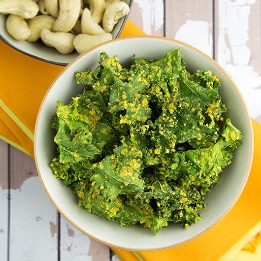 Raw Curried Kale Chips - Om Nom Ally