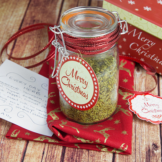 Homemade Spice Mixes Perfect for Christmas Gifts | @OmNomAlly
