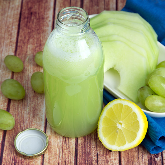 Grape & Honeydew Blender Juice @OmNomAlly