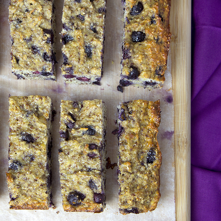 Banana & Blueberry Protein Bars | Om Nom Ally