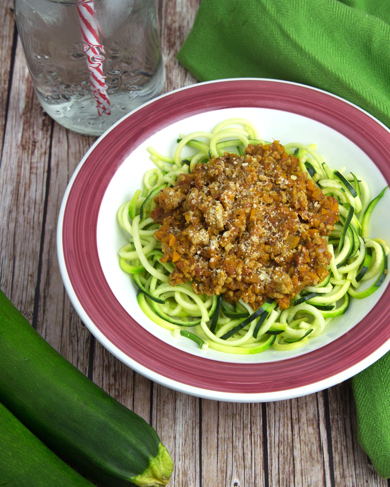 Spiralised Zucchini Noodles with Bolognese @OmNomAlly