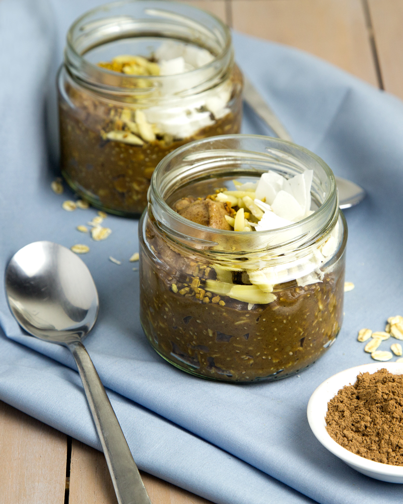 Chocolate Pudding Overnight Oats with Avocado @OmNomAlly